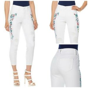 Melissa McCarthy embroidered white jeans size 18W
